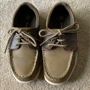 Brown boater shoes